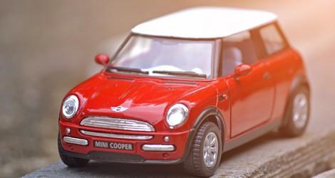 car-1639063_640